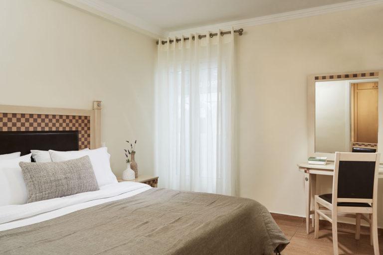 Hotel Loizos - Fira, Santorini, Greece